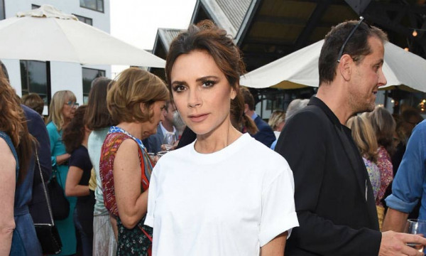 Victoria Beckham Vogue Party T 4